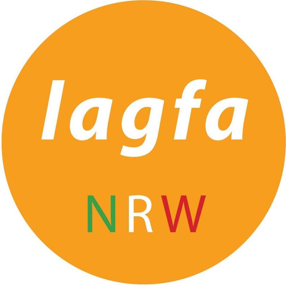Das Logo der laga NRW ist ein orangener Kreis mit den Worten lagfa und NRW in der Mitte.